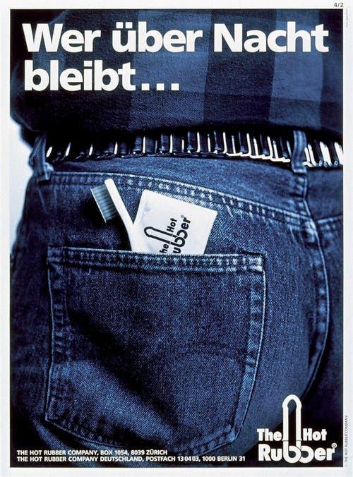 """Plakat der Aids-Hilfe Schweiz aus dem Jahr 1985. Die Marke """"Hot-Rubber"""" wird lanciert. (Bild: Keystone)"""