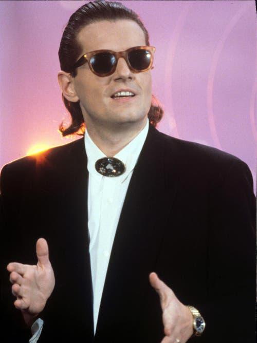 Am 5.11.1988, in Nordrhein-Westfalen, Duisburg: Der österreichische Sänger und Musiker Falco bei einem Auftritt in der TV-Show «Wetten, dass...?». (Bild: Keystone)