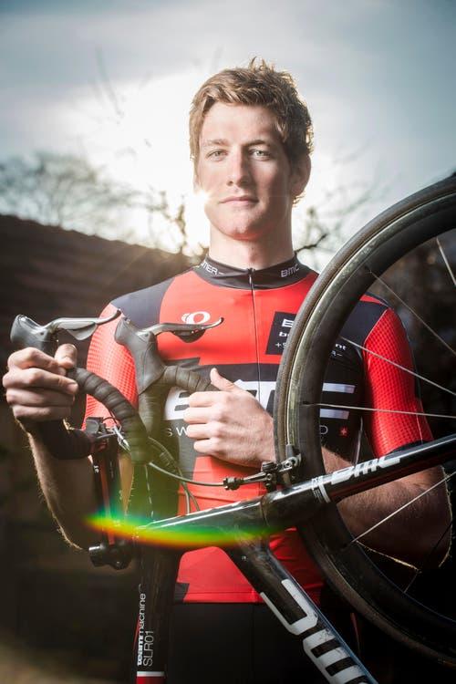 Kategorie Sport: Stefan Küng gibt Gas - und tritt dafür in die Pedale. Der 21-jährige Radrennfahrer aus Wilen bei Wil startet 2015 bei den Profis. (Bild: Benjamin Manser)