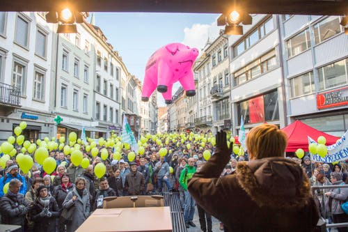 Demonstration des Staatspersonal St. Gallen: Die Kundgebung wird von der Personalverbändekonferenz des Kantons St.Gallen und den Gewerkschaften organisiert (Bild: Urs Bucher)