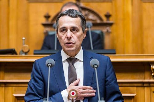Der neugewählte Bundesrat Ignazio Cassis erklärt Annahme der Wahl. (Bild: Keystone)
