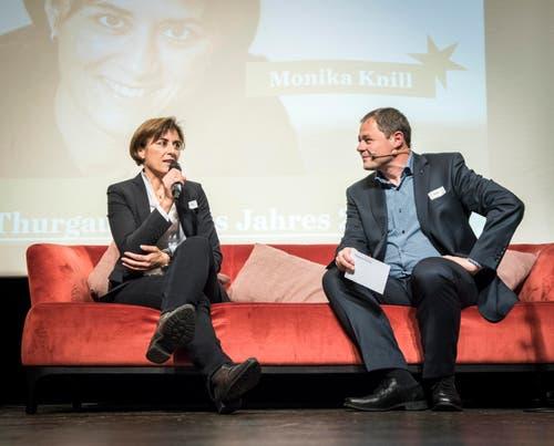 Monika Knill, Thurgauerin des Jahres 2017, im Gespräch mit Chefredaktor David Angst. (Bild: Reto Martin)
