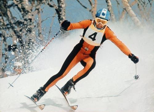 Auch die Schweizer Herren sind 1972 erfolgreich: Bernhard Russi auf dem Weg zu seinem Abfahrts-Olympiasieg. (Bild: Keystone/Str)