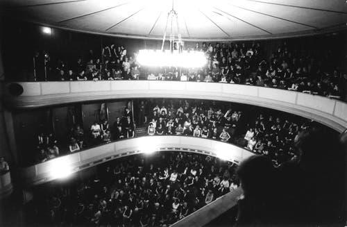 Innenaufnahme aus dem alten Stadttheater kurz vor der Schliessung 1968. (Bild: Stadtarchiv Ortsbürgergemeinde St.Gallen)
