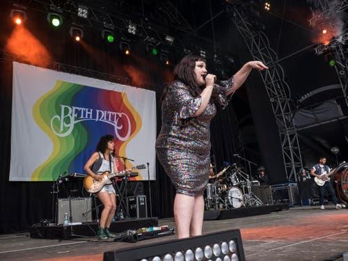 Beth Dittos Auftritt war am Samstag das Highlight auf der Sitterbühne. (Bild: Hanspeter Schiess)