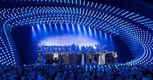 Alle ESC-Teilnehmer versammeln sich beim Soundcheck auf der Bühne. (Bild: GEORG HOCHMUTH)