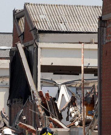 In San Felice brach eine Fabrik zusammen. (Bild: Keystone / EPA)