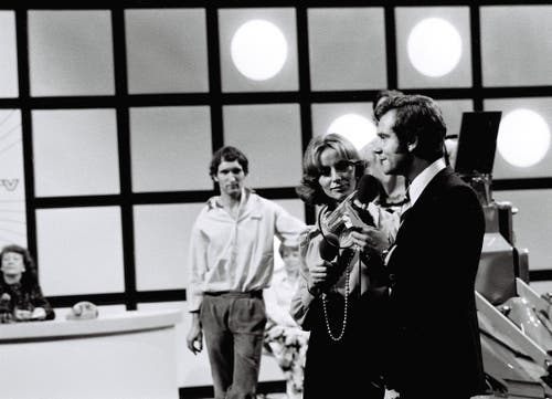 Kurt Felix moderiert am 22. September 1973 die Studioeröffnung im Leutschenbach. (Bild: SRF)