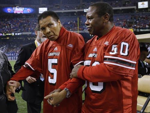 Muhammad Ali (links) und Football-Legende Tom Jakson 2013 in New Orleans. (Bild: Keystone)
