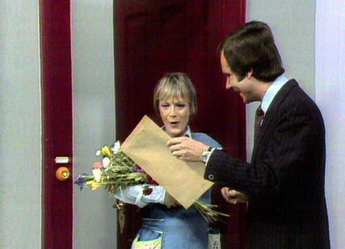 Start von «Schweizer Lacher» im Jahr 1995: Ursula Schaeppi und Kurt Felix. (Bild: SRF)