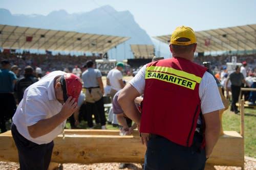 Die Samariter stehen bereit. (Bild: Keystone/Urs Flüeler)