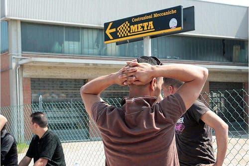 Er hatte Glück im Unglück: In der Fabrik «Meta» starben drei Menschen. (Bild: Keystone / EPA)