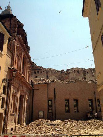 Der Dom von Mirandola wurde schwer beschädigt. (Bild: Keystone / EPA)
