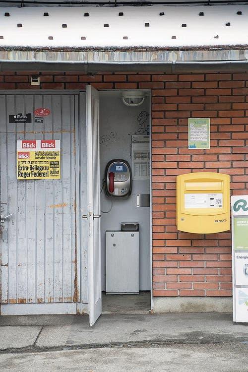Die Versteckte: Bei der Bushaltestelle Mühlegg in St.Georgen. Sie ist aufgrund der Bauarbeiten an der Mühleggbahn im Sommer 2018 schon nicht mehr in Betrieb. (Bild: Ralph Ribi)