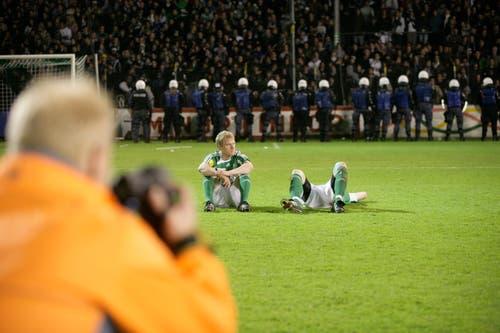 Grenzenlose Enttäuschung nach dem Abstieg im letzten Spiel im Espenmoos im Mai 2008. (Hanspeter Schiess)
