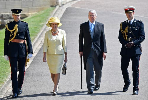 Der früherer britische Premierminister Sir John Major und seine Frau Lady Norma Major. (Toby Melville/pool photo via AP)