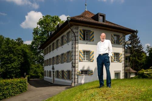 Peter am Rhyn vor dem Freihof Geissenstein. (Bild: Philipp Schmidli (Luzern, 18. Mai 2018))