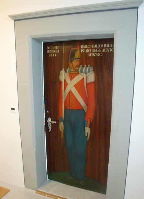 «Fuciliere Budmiger», Symbolbild für die Söldner, die einst für die Luzerner Patrizier in den Krieg zogen. Das Bild ziert eine Türe im Freihof Geissenstein. (Bild: PD)