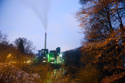Das Kehrichtheizkraftwerk St.Gallen an einem Wintermorgen. (Bild: Urs Jaudas - 1. Februar 2013)
