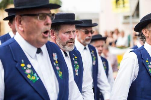 Festumzug am Jodlerfest Schötz. Jodlerchörli Geuensee. (Bild: Manuela Jans-Koch. Schötz 24.Juni 2018)
