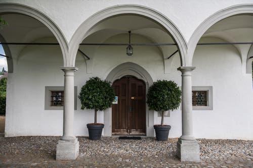 Der Eingangsbereich der Schlachtkapelle Sempach. (Bild: Boris Bürgisser, 18. Juni 2018)