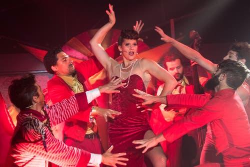 Impressionen von der Première des Broadway Variétés auf dem Sonnenberg. (Bild: Eveline Beerkircher (Kriens, 28. Juni 2018))