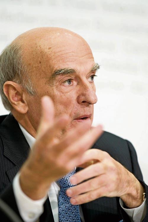 Hans-Rudolf Merz: «Die Welt beisst sich am Bankgeheimnis die Zähne aus.» (Bild: KEY)