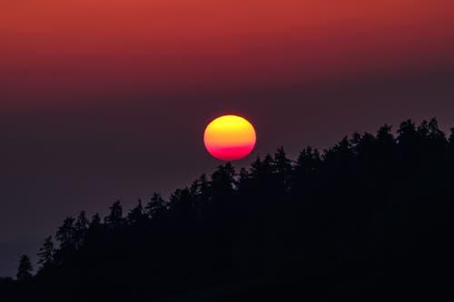 Imposanter Feuerball (Bild: Luciano Pau)