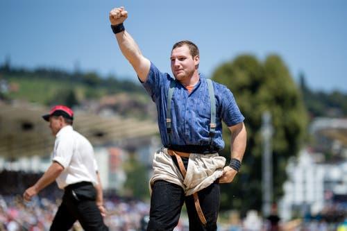 Joel Wicki jubelt nach seinem Sieg im 4. Gang. (Bild: Philipp Schmidli)