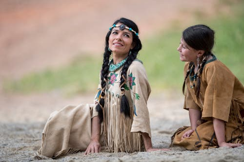 Giusy Bringold als Ribanna (links) und Julia Hess als Casey (Bild: Urs Flüeler / Keystone (Engelberg, 4. Juli 2018))