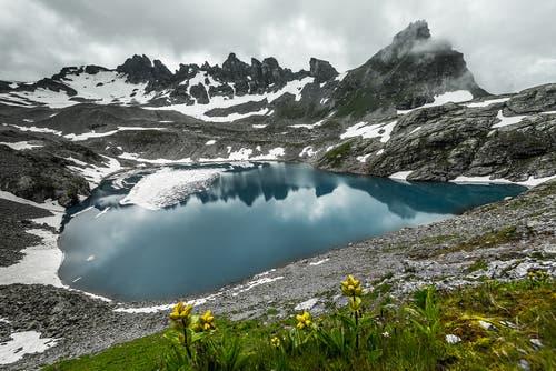 Der wunderschöne blaue Wildsee. (Bild: Marc Bollhalder)