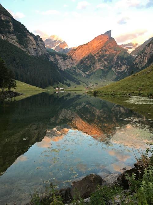 Früher Morgen (5:48 Uhr) am Seealpsee. (Bild: Fritz Kuhn)