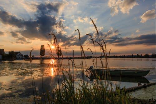 Ermatingen ist ein Hotspot für Sonnenuntergänge am Bodensee. (Bild: Roland Hof)