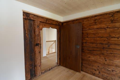 Alte Elemente wurden bei der Gesamtrenovation bewusst integriert und verleihen den Wohnungen besonderes Flair.