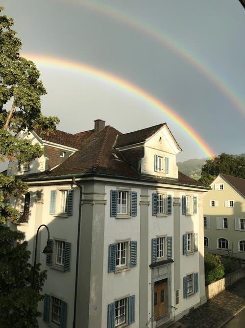 Doppelter Regenbogen in Rorschach. (Bild: Roland Eigenmann)