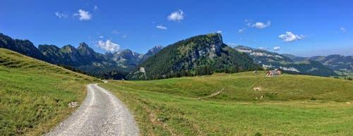 Ein Tag wie im Bilderbuch im Ruhesitz oberhalb Brülisau. (Bild: Toni Sieber)
