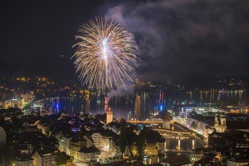 Feuerwerk am Luzerner Fest. (Bild: Urs Flüeler / Keystone)