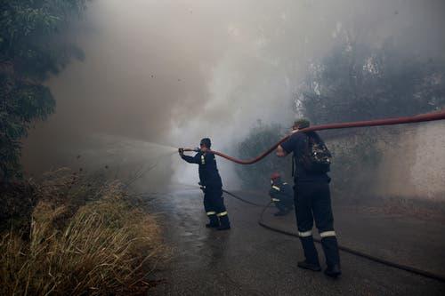 In den Flammen kamen mindestens 50 Menschen ums Leben. (Bild: EPA/ Alexandros Vlachos (23. Juli 2018))