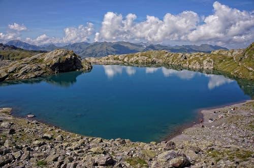 Der Schottensee an der Route der 5-Seen-Wanderung. (Bild: Toni Sieber)