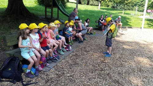 Die Kinder der Kita Knirps Meggen auf der Suche nach dem verlorenen Gold. (Lagerbild: Nicole Isenegger, Sonnenberg 25. Juli 2018)