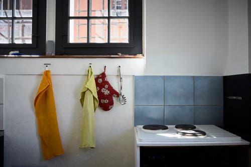 Im Hostel gibt es einen gemeinsamen Ess- und Wohnbereich. (Bild: Jakob Ineichen)
