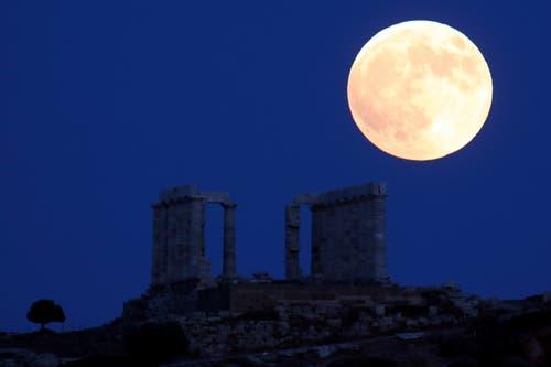 Athen (Bild: Thanassis Stavrakis / AP)