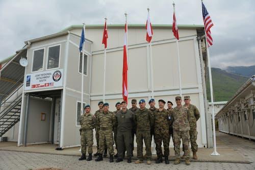 Internationale Zusammenarbeit am Arbeitsort von Martin Burch: Sein Team besteht aus türkischen, österreichischen, polnischen und US-amerikanischen Armeeangehörigen. (Bild: PD)