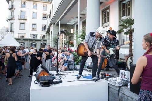 Count Gabba & Friends auf dem Schweizerhof Plaza. Bild: Manuela-Jans-Koch (Luzern, 26. Juli 2018)