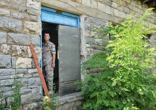 Der 41-jährige gebürtige Obwaldner lebt seit 10 Jahren als Auslandschweizer in El Salvador. Für ein Jahr hat er sich in den Dienst der Schweizer Armee im Kosovo gestellt. (Bild: PD)