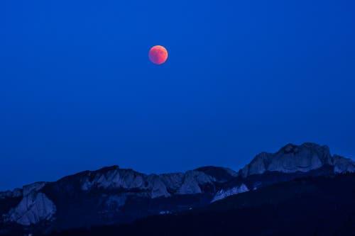 Blutmond von Schwellbrunn aus fotografiert. (Bild: Luciano Pau)