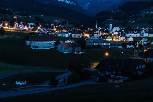 Nesslau am Abend (Bild: Renato Marciariello)
