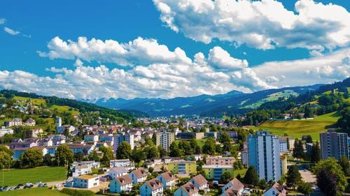 Wattwil aus der Luft fotografiert. (Bild: Renato Maciariello)