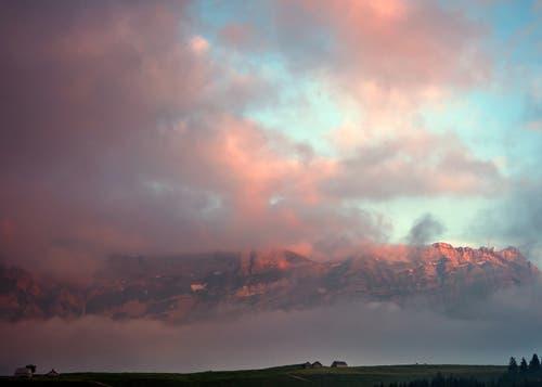Wetterstimmung auf der Wartegg, mit dem Säntis im Hintergrund. (Bild: Wolfgang Reisser)