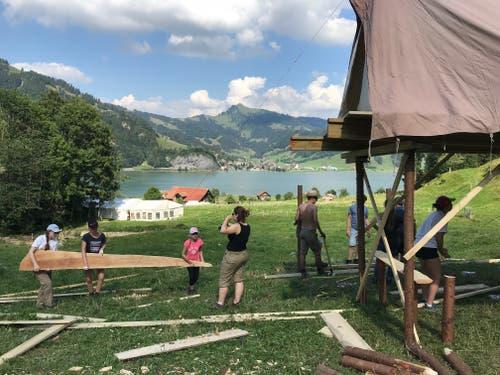 Die Jubla Dagmersellen beim Aufbau des Lagers. (Lagerbild: Anna Graf, Euthal, 8. Juli 2018)